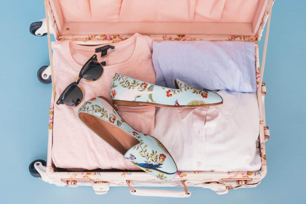 travel tips: pack light