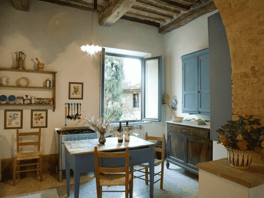 Casa Storica is a Historic Tuscan Vacation Rental This 17-Century Estate is located in Monteriggioni Close to Siena Click for more details